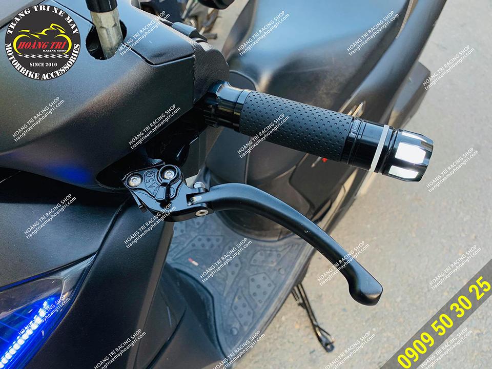 Gù tay lái có đèn tích hợp xi nhan trên SH 2020