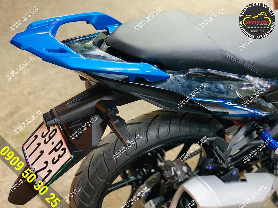 Cản sau kiểu Airblade màu xanh dương được sơn theo yêu cầu