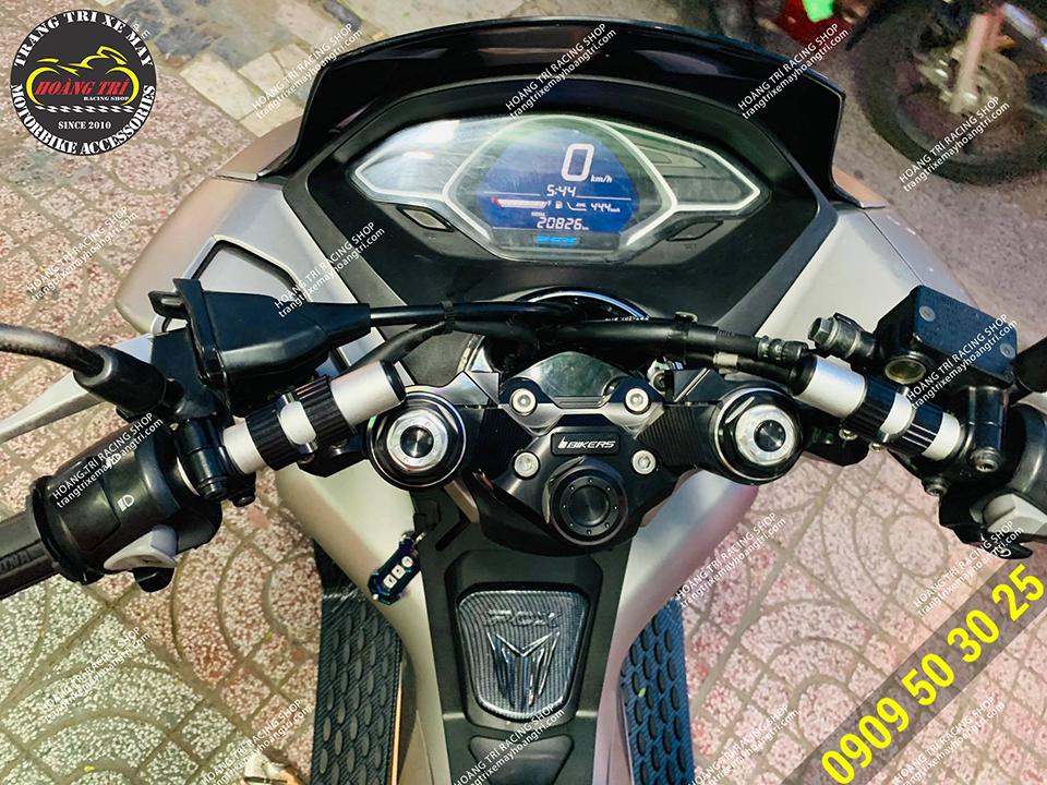 Ghi đông Biker chính hãng Thái Lan được lắp trên PCX