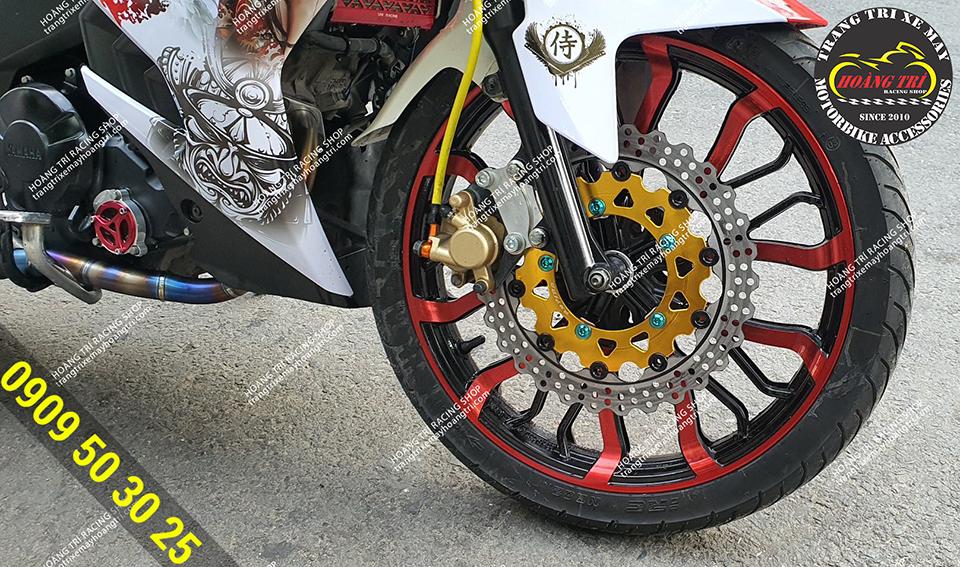 Sự kết hợp giữa mâm kuni màu đỏ và đĩa Rapido