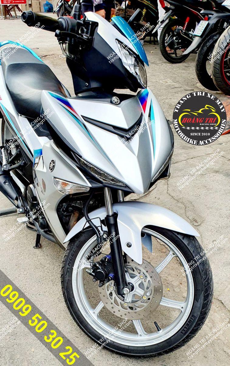 Mâm X1R màu trắng được trang bị trên Exciter 150 màu trắng