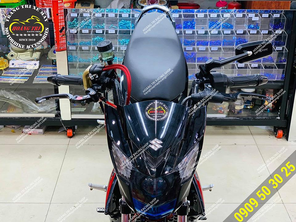 Xế cưng còn trang bị thêm tay côn Racing Boy S1 chính hãng
