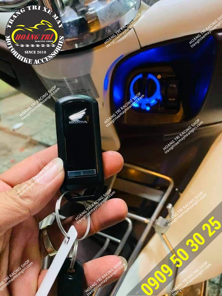 Mặt sau remote smartkey chính hãng Honda (PCX 2011)