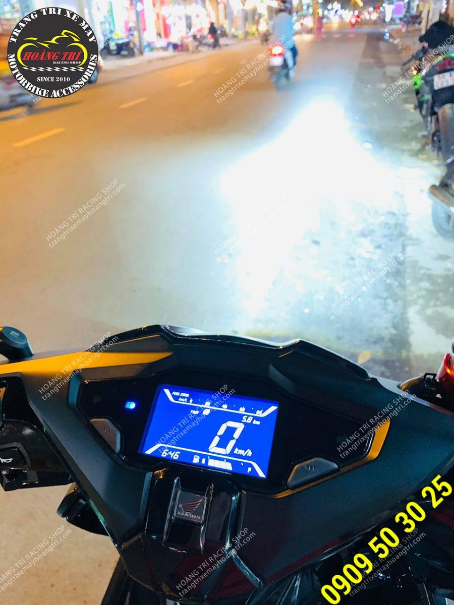 Test ánh sáng đèn pha Airblade 2020 cùng bi cầu LED 1220