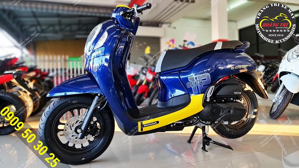 Diện mạo của Honda Scoopy Club 2021 màu xanh dương