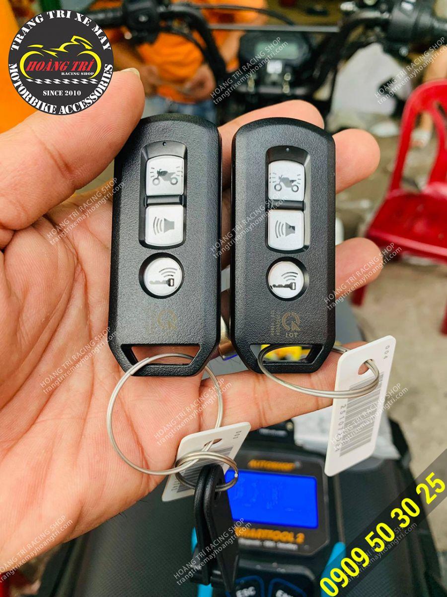 Giờ đây cả 2 chiếc remote đều có thể điều khiển được xe - phòng trường hợp mất