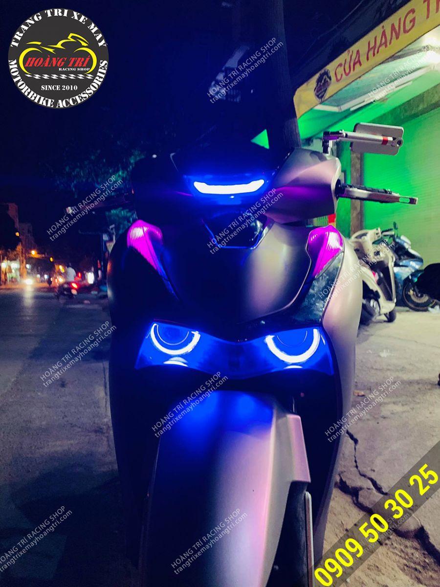 Anh khách trang bị thêm combo 2 món đèn cho xe SH 2020 của mình