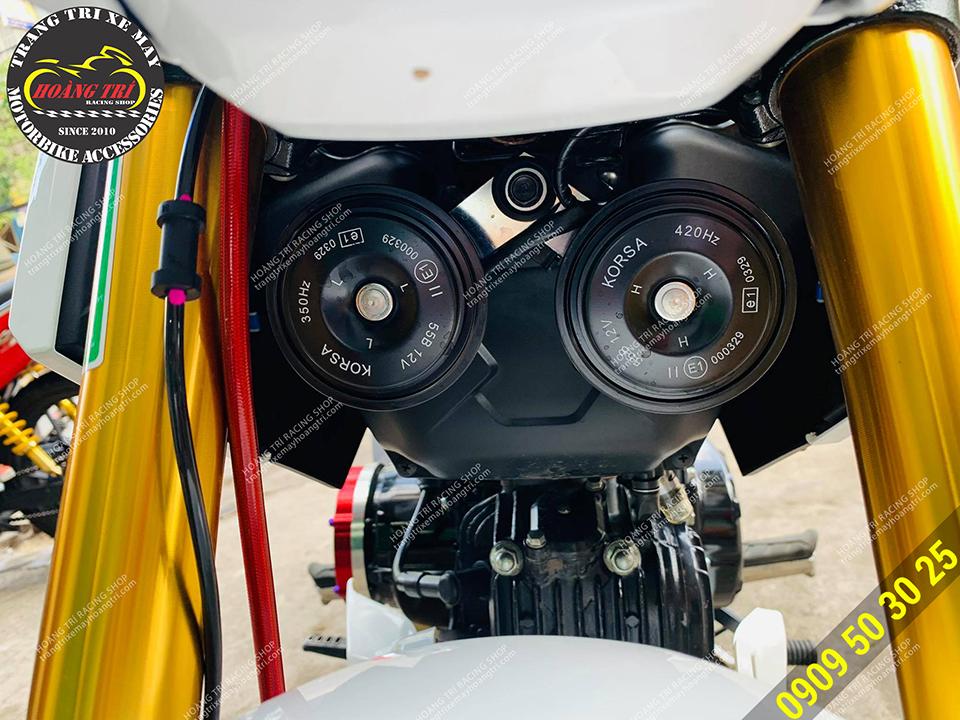 Xế cưng được trang bị tận 2 kèn Korsa thay thế kèn zin của xe