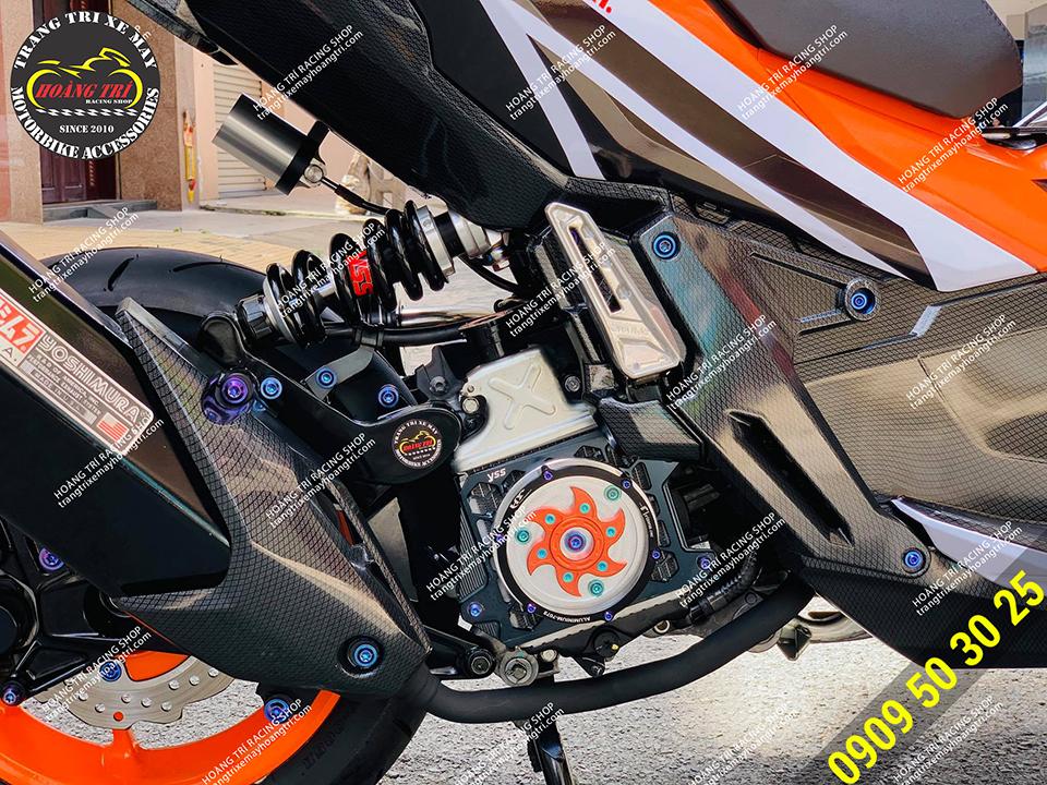 Che két nước HTR tông cam trang bị cho xế cưng ADV 150 Repsol 2020