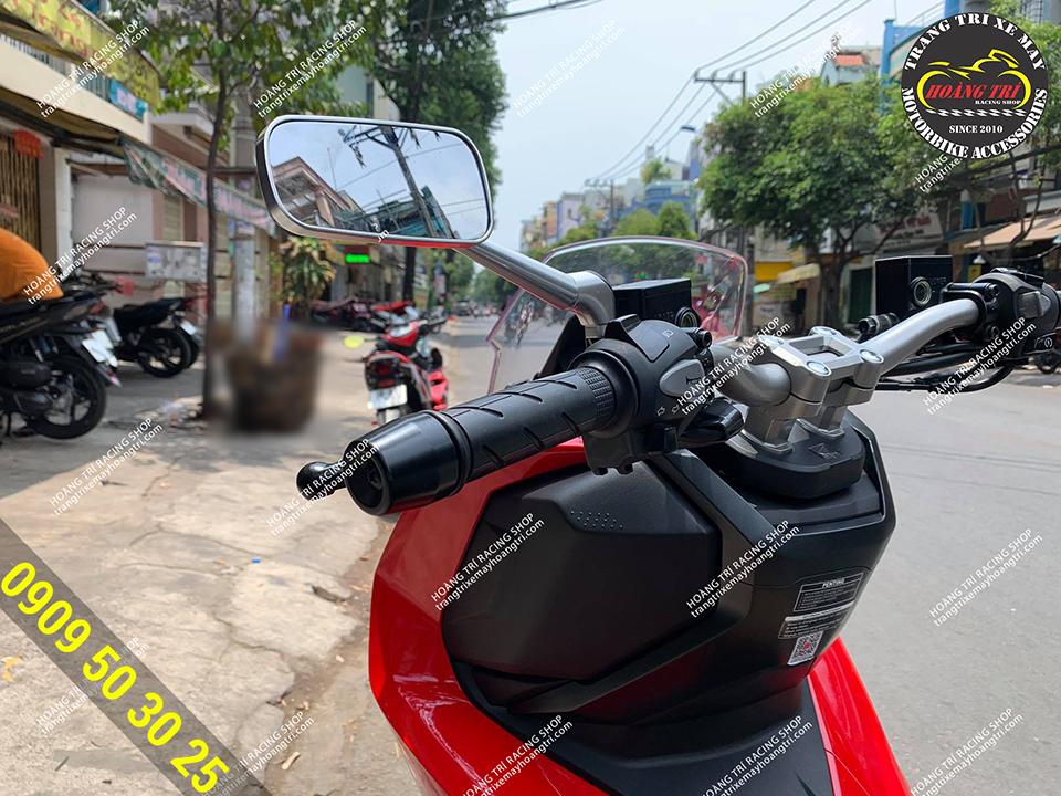 Thêm một chiếc ADV 150 lắp đặt kính chiếu hậu H2C