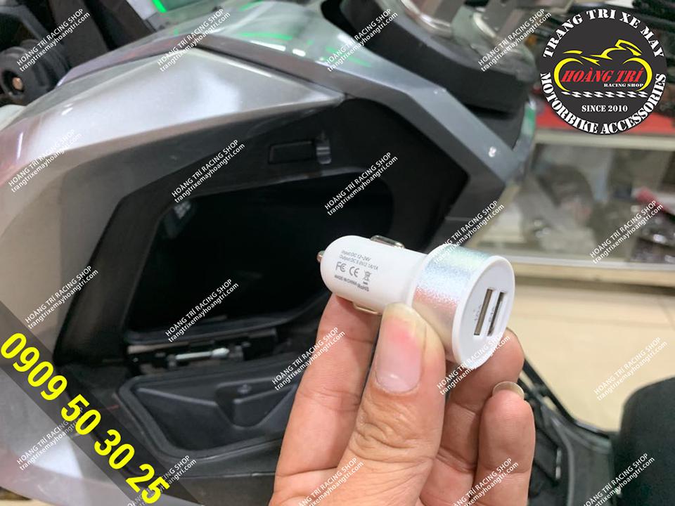 ADV 150 chuẩn bị lắp phụ kiện sạc điện thoại NBA 2 ổ cắm USB