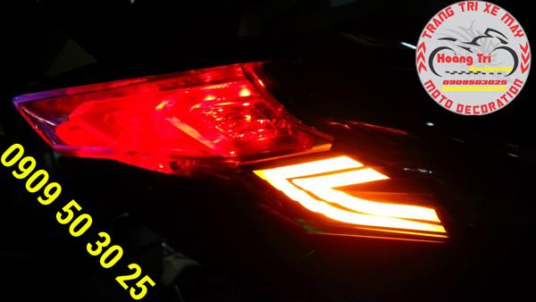 Đèn signal sẽ chuyển màu khi bật si nhan