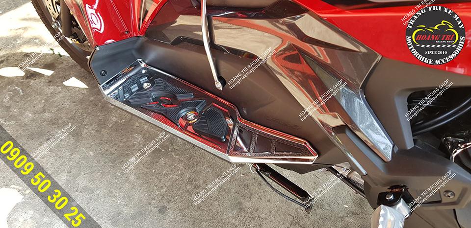Thêm một chiếc Airblade 2020 đến lắp đặt thảm mạ crom airblade 2020