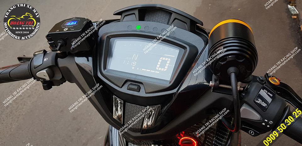 Đồng hồ LED hiển thị các thông số