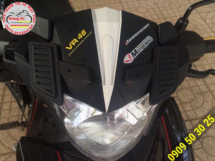 Đen tông sẹc tông với xế yêu - mão đầu đèn siêu nhân VR-46