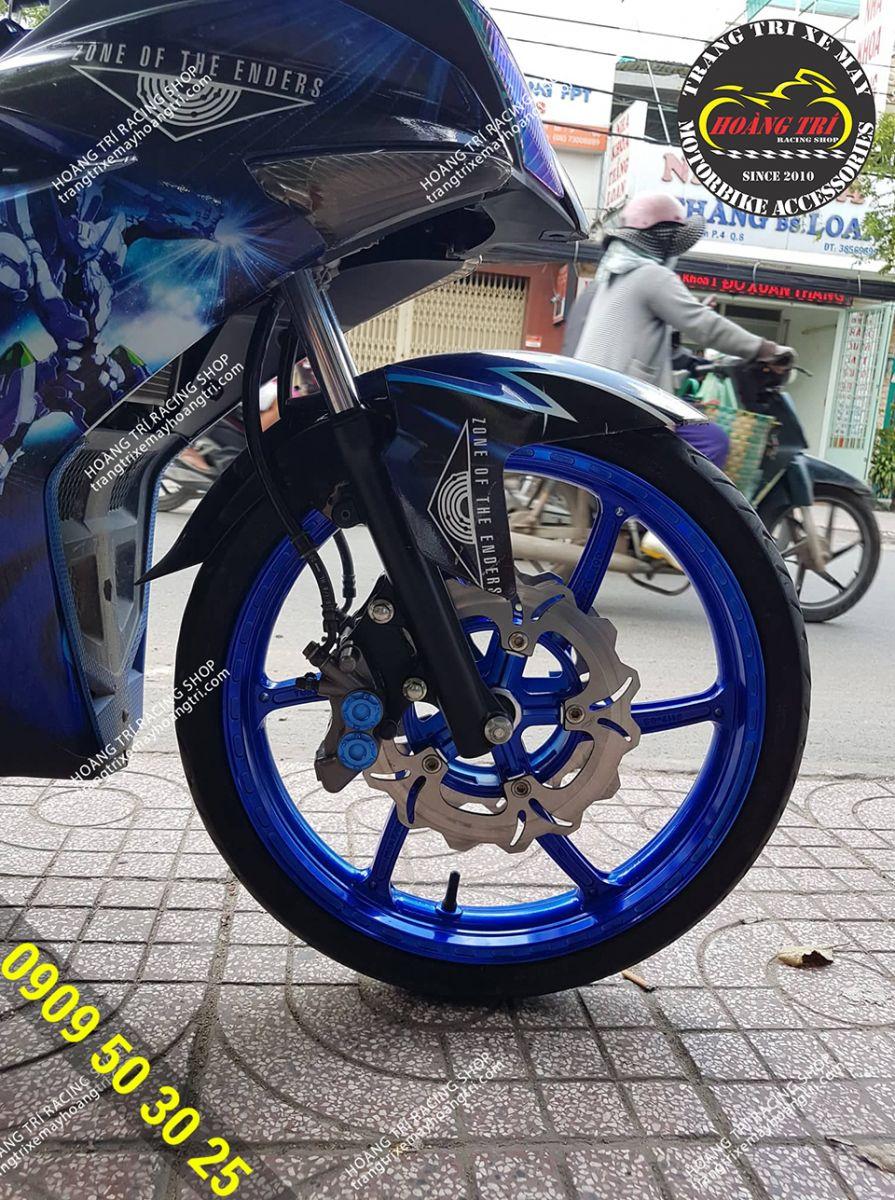 Mâm 2 đĩa trước Exciter 150 màu xanh đã được lắp đặt trên xe