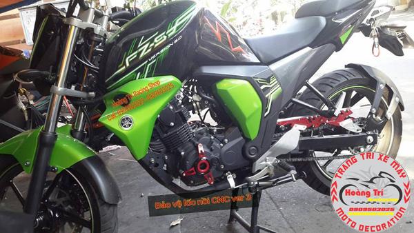 Che sên - carte biker được gắn cùng với bảo vệ lốc máy version 3
