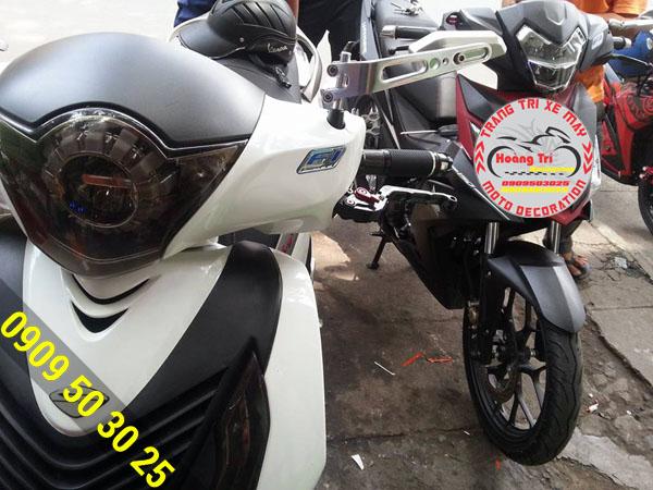Kính chiếu hậu Rizoma 851 gắn cho xe SH Việt Nam