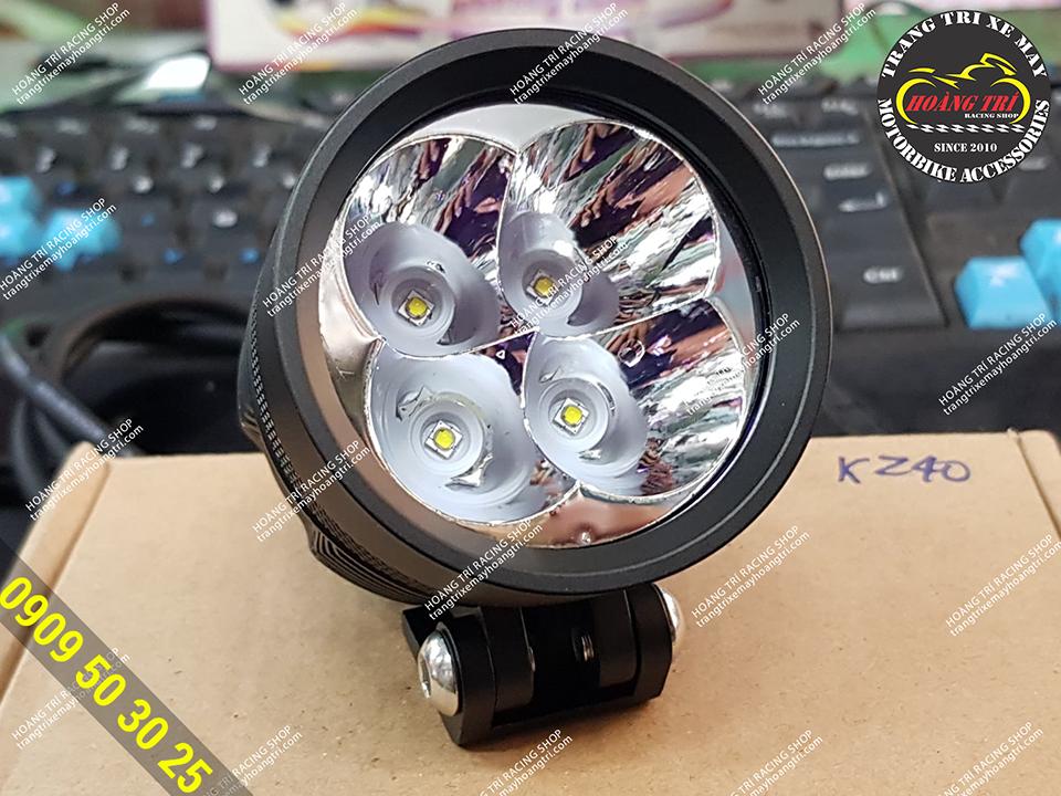 chỉ với 4 bóng LED pha cho ánh sáng cực khủng
