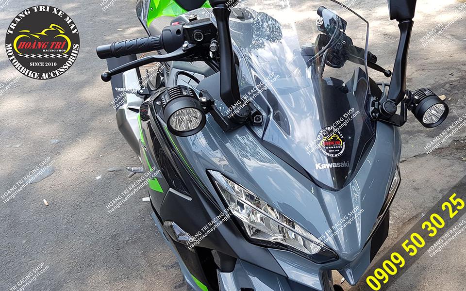 Kawasaki Ninja 400 độ cặp đèn trợ sáng Kenzo