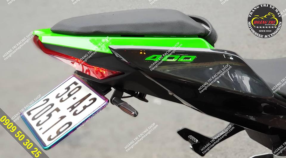 Past biển số 2 chiều Moto Speed gắn xe Kawasaki Ninja 400