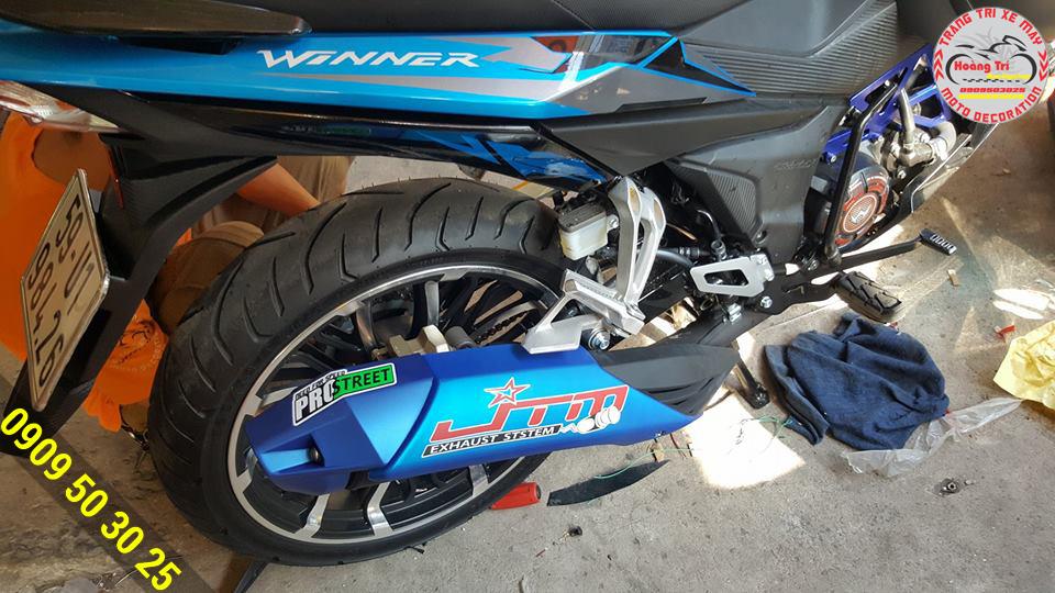 Cùng với màu mới của Winner thì ốp pô Indo cũng đã ra màu sắc tông sẹc tông xanh dương