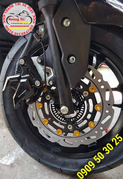 Cận cảnh đĩa Boushi gắn trên NVX 155cc