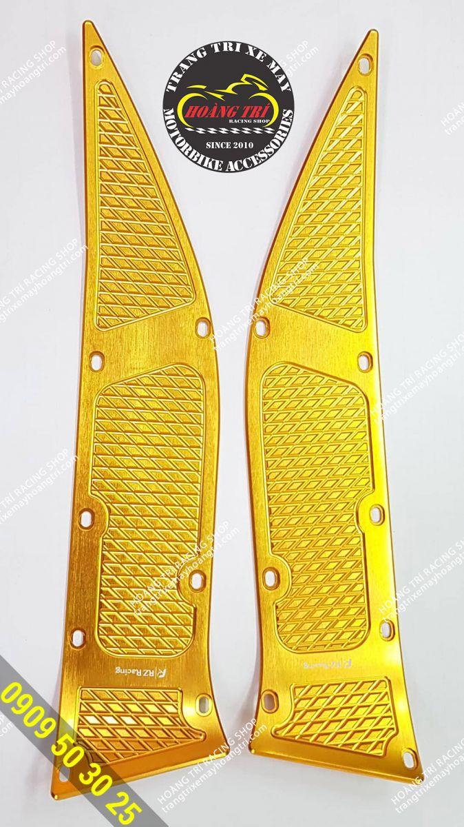 Cận cảnh Thảm để chân nhôm CNC - RZ Racing lắp xe NVX màu Vàng