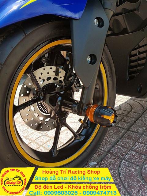 Cận cảnh chống đỗ R6 mẫu mới nhất tại Hoàng Trí Racing Shop