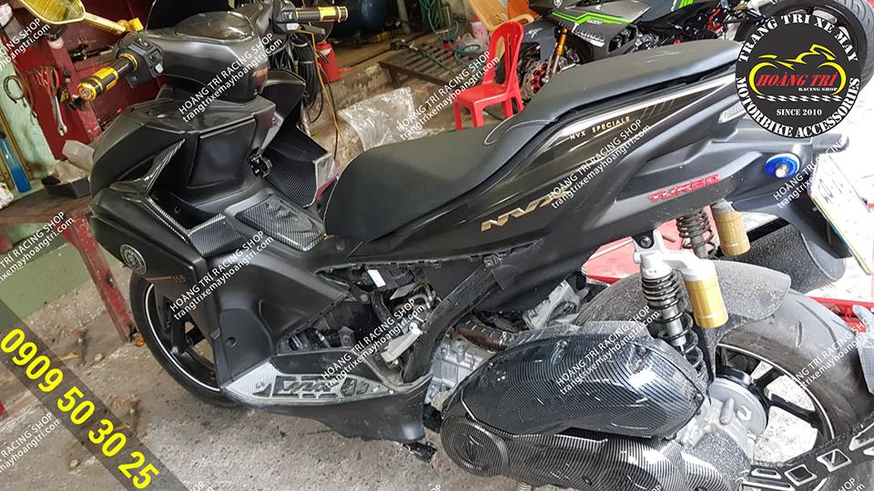 Xe NVX đến Hoàng Trí  Racing Shop lên full đồ chơi sơn carbon NVX