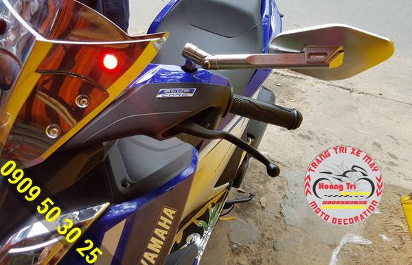 Kính eliss bạc trên xế Yamaha NVX