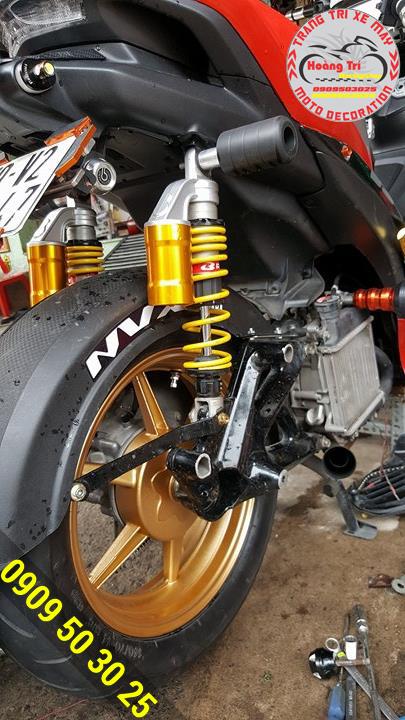 Mâm Racing Boy trên NVX kèm theo đó là phuộc bình dầu Racing Boy