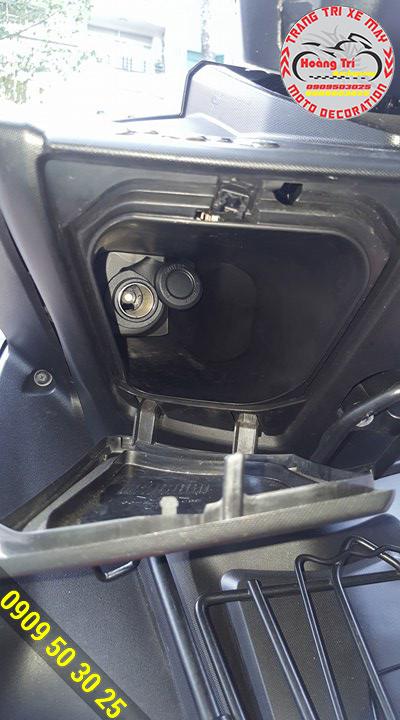 NVX đã thiết kế sẵn chỗ sạc pin như những chiếc xế hộp hiện đại
