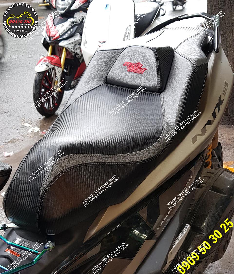 Với kiểu chữ moto seat (mẫu trước là chữ NVX)