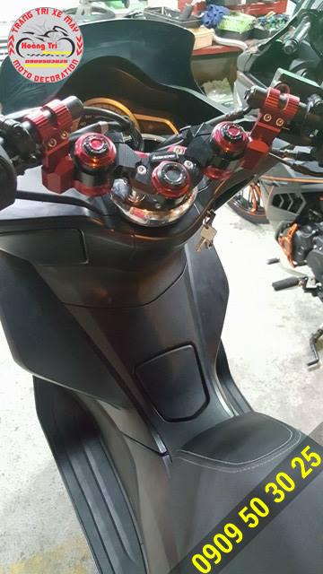 Ghi đông Biker được độ cho PCX nhìn ngầu hơn và nổi bật hơn