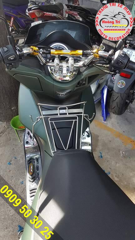 Trợ lực ghi đông cho PCX 2014 với màu sắc khá nổi trên xế yêu