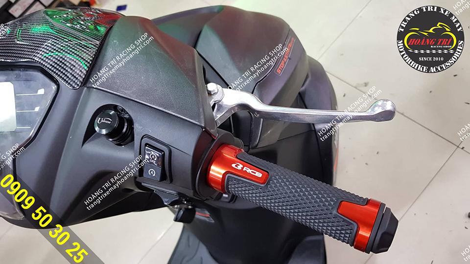 Cận cảnh bao tay Racing Boy V8