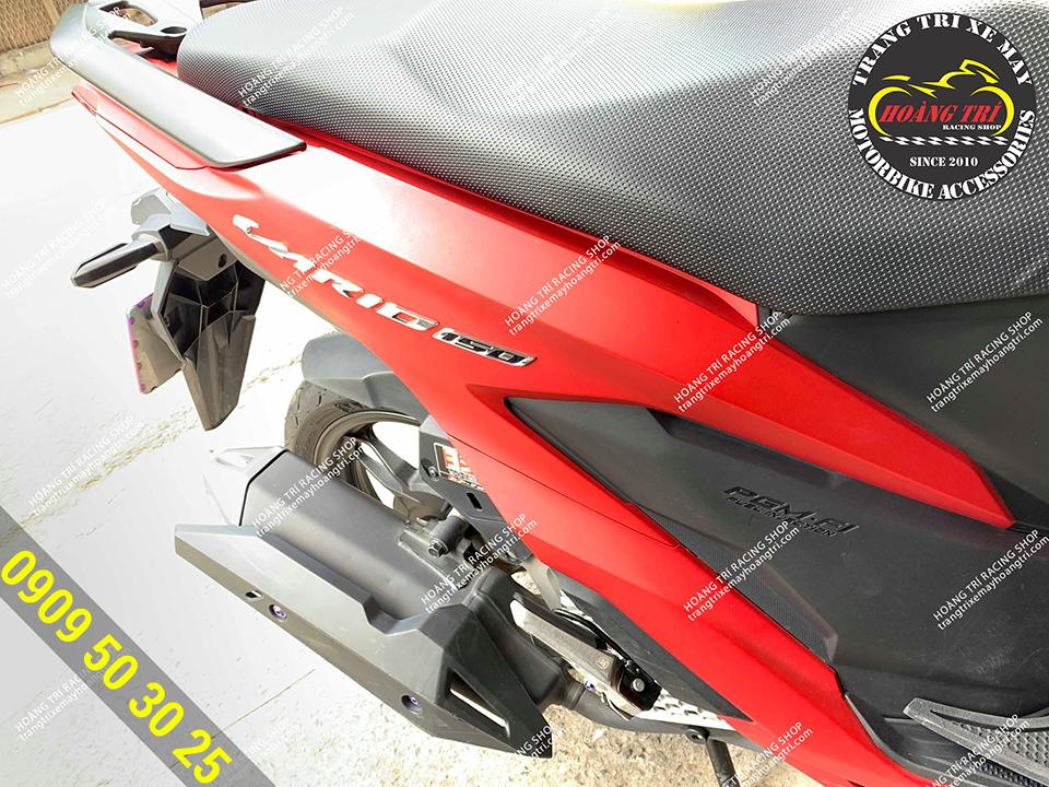 Vario 2018 lắp đặt gác chân Ducati màu bạc