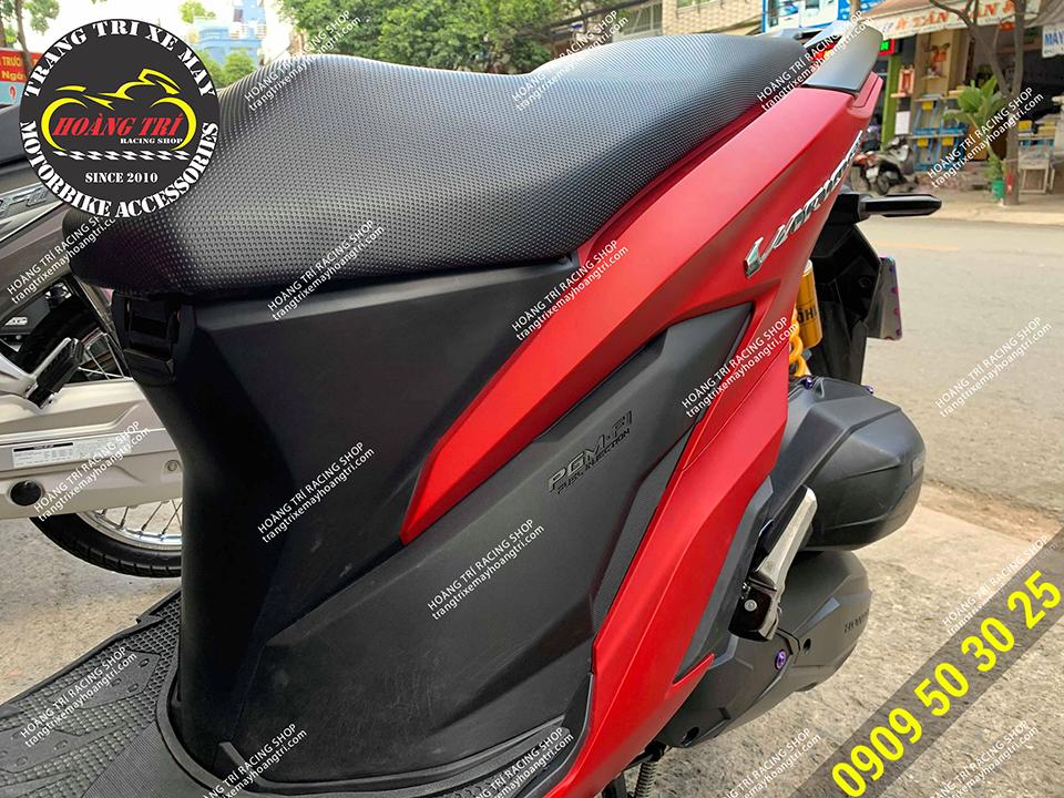 Gác chân Ducati được làm bằng gang đúc nên rất chắc chắn