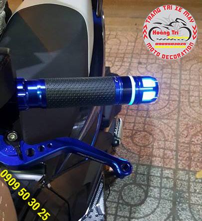 Tông sẹc tông trên xế yêu - sẽ rất khác khi bạn lắp đặt gù tay lái có đèn cho xế yêu