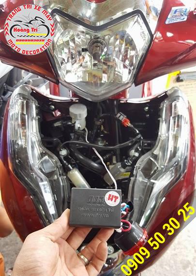 Trên tay hộp điều khiển khóa chống trộm iky bike
