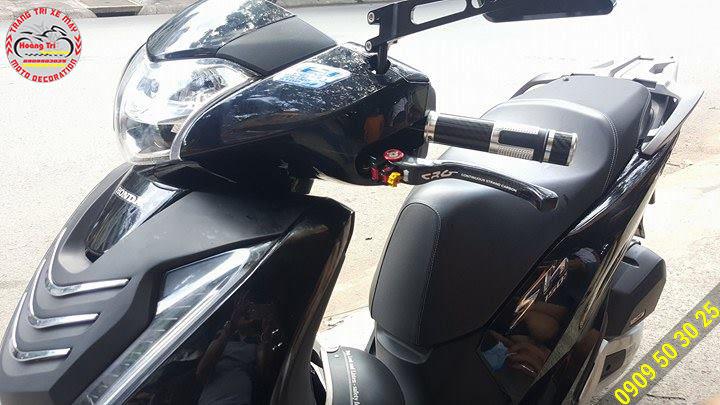 TAY THẮNG CRG CARBON gắn xe SH 2017 màu đen