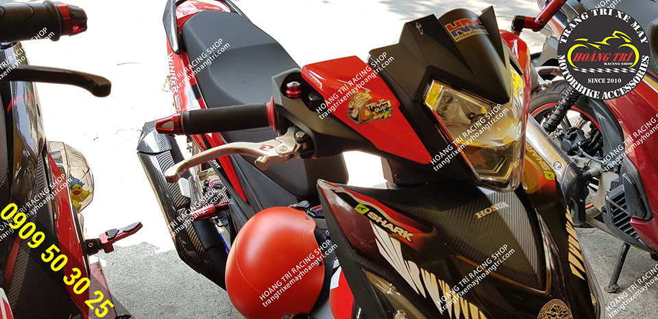 Tay thắng Racing Boy V8 được gắn trên Winner 150