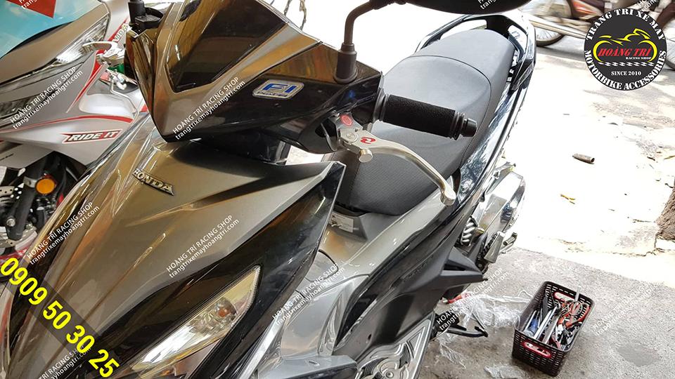 Airblade 2014 độ tay thắng Racing Boy V8