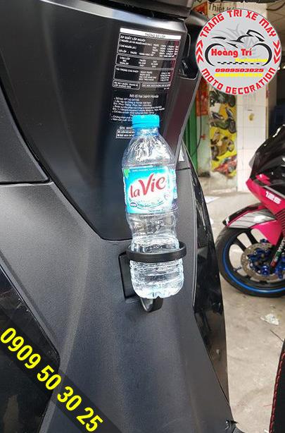 Đặt chai nước vào và tha hồ vi vu mà khong cần phải nghĩ ngợi gì cả