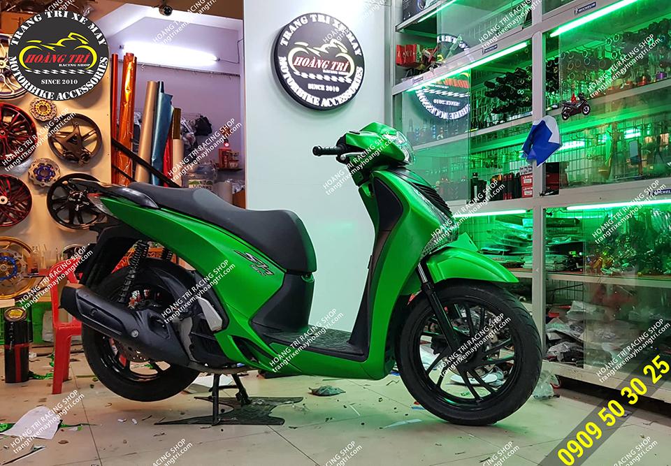 Sh 2012 dán decal nhôm xước xanh lá thay đổi màu sắc xe