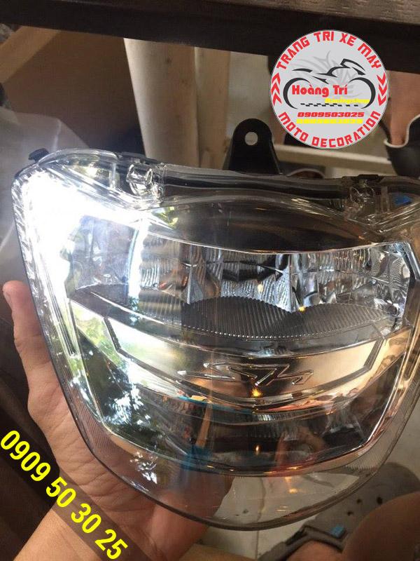 Trên tay chóa đèn pha led SH 300i tại Hoàng Trí Racing Shop