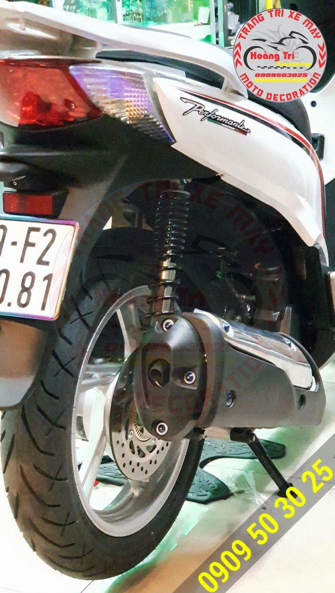 Ốp pô SH 300i Zhi.pat cũng được lắp cho xế