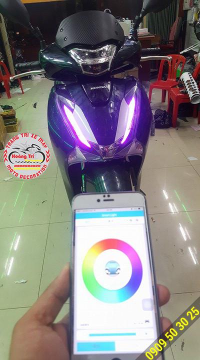 Phần mềm trên điện thoại và đèn led trên SH 2017