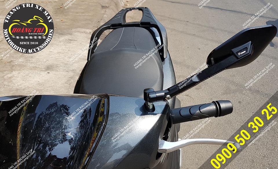 Cận cảnh chi tiết kiếng hậu Eliss màu đen trên xe SH 2020